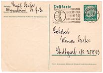 Vorderseite der Postkarte mit Absender, Adresse und Stempel