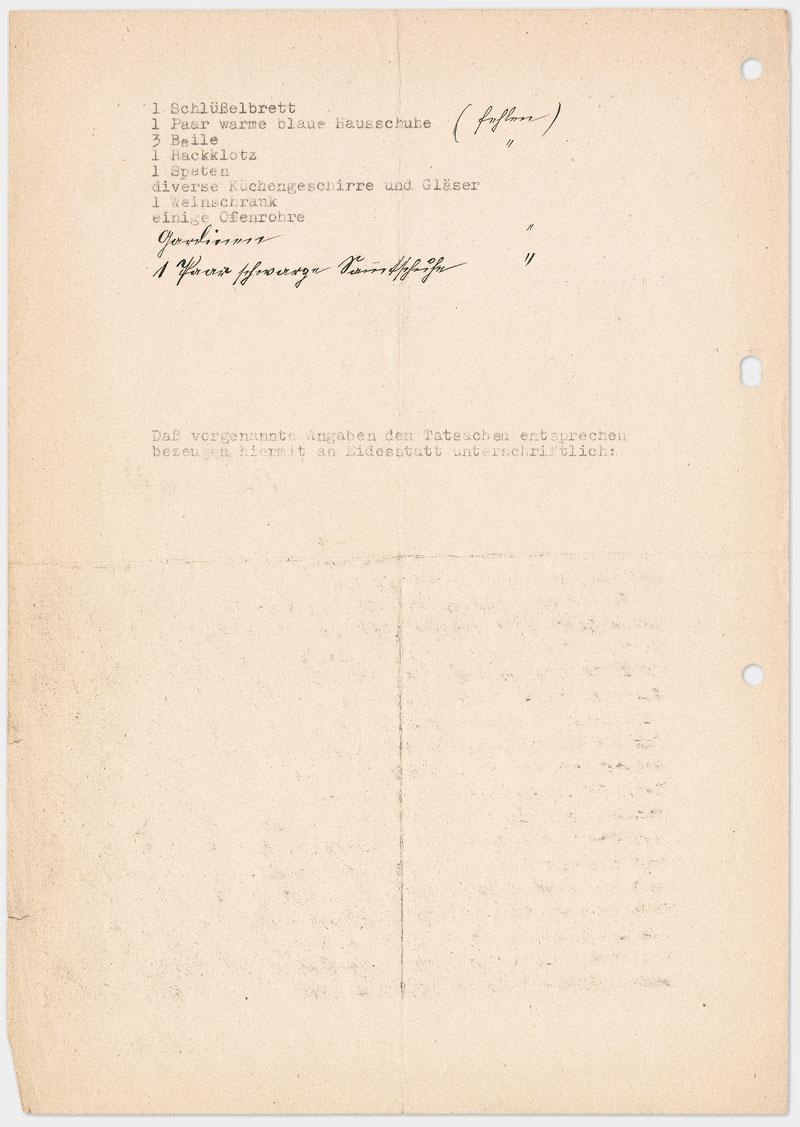 Seite 2 - Eidesstattliche Erklärung, Schreibmaschine getippt, schwarze Farbe, Din A 4, leicht vergilbtes Papier, drei mal gelocht links außen